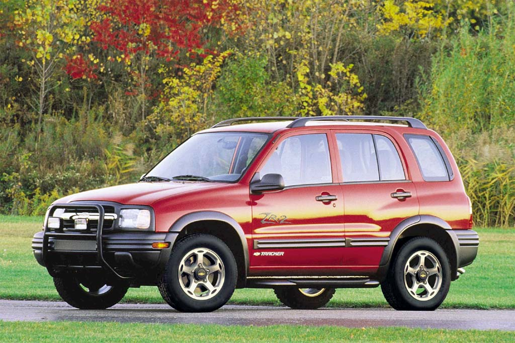 1999 04 chevrolet tracker consumer guide auto rh consumerguide com chevrolet tracker 2003 owners manual 2000 chevrolet tracker owners manual