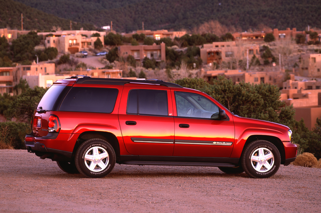 04124361990002 2002 09 chevrolet trailblazer consumer guide auto  at reclaimingppi.co