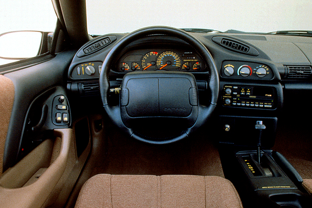 1993 02 chevrolet camaro consumer guide auto. Black Bedroom Furniture Sets. Home Design Ideas