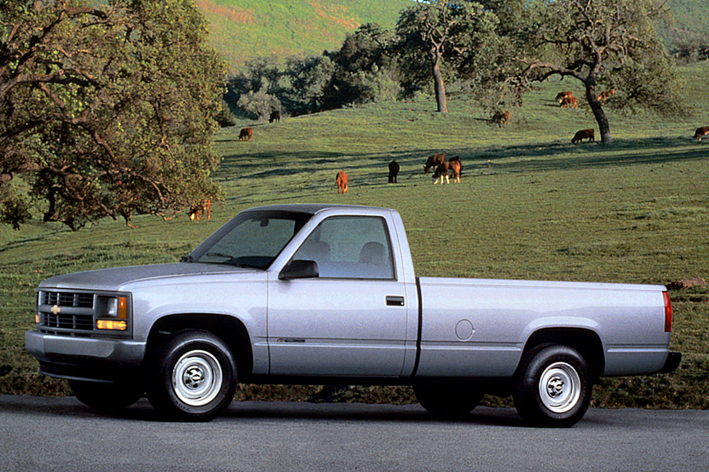 1990-98 Chevrolet C/K Pickup | Consumer Guide Auto on 7.4 mercruiser engine diagram, 1988 chevy 4x4 diagram, big block engine diagram, 1988 chevy motor diagram, 1988 chevy s10 pickup, 1988 chevy 7.4l engine diagram, 96 gmc engine diagram, 1988 chevy truck engine diagram, 1988 chevy fuel pump diagram, 1988 chevy 350 engine diagram,