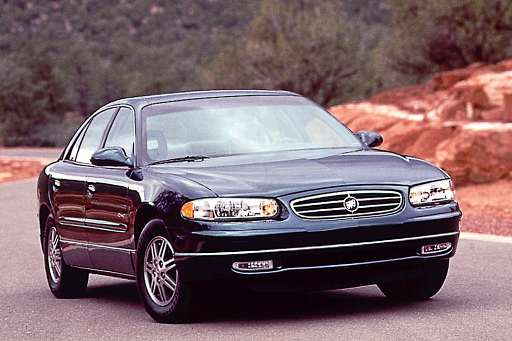 199704 Buick Regal  Consumer Guide Auto