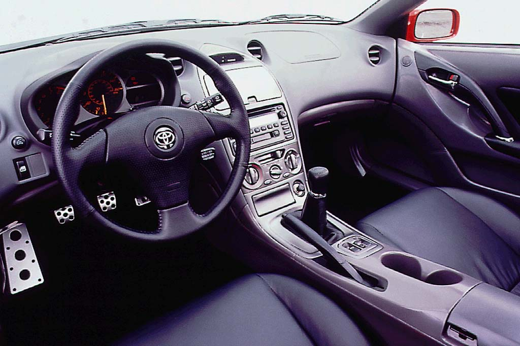 Good 2000 Toyota Celica Interior