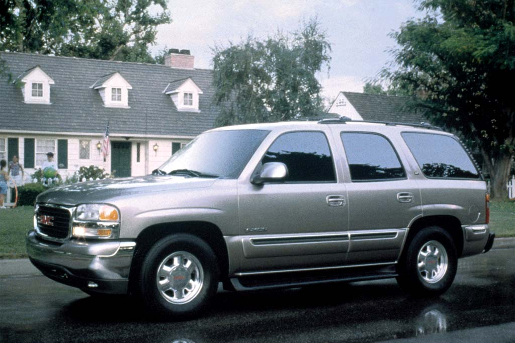 01126111990005 2000 06 gmc yukon denali consumer guide auto 2015 GMC Yukon XL Denali at edmiracle.co