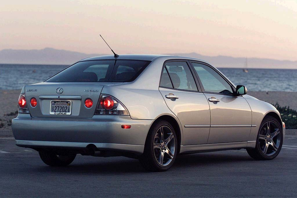 2001 05 Lexus Is 300 Consumer Guide Auto