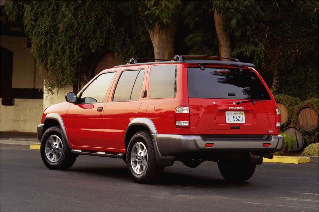Best Value Used Suv >> 2001-04 Nissan Pathfinder | Consumer Guide Auto