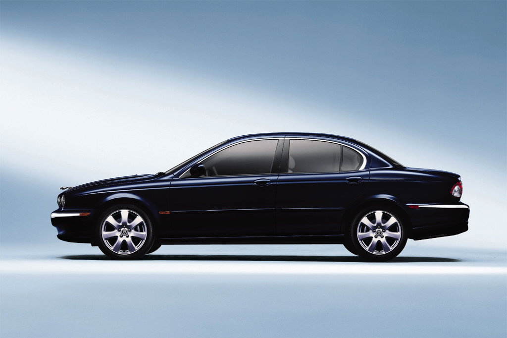 2002 08 jaguar x type consumer guide auto rh consumerguide com jaguar x type buying guide jaguar x type buyers guide