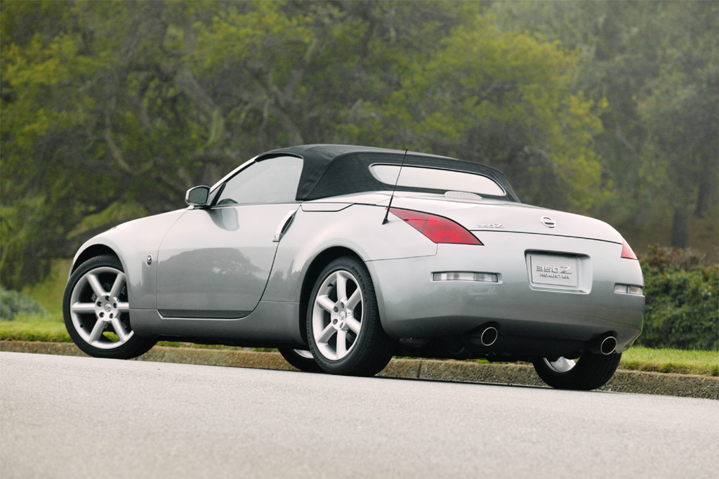 2003 09 nissan 350z consumer guide auto. Black Bedroom Furniture Sets. Home Design Ideas