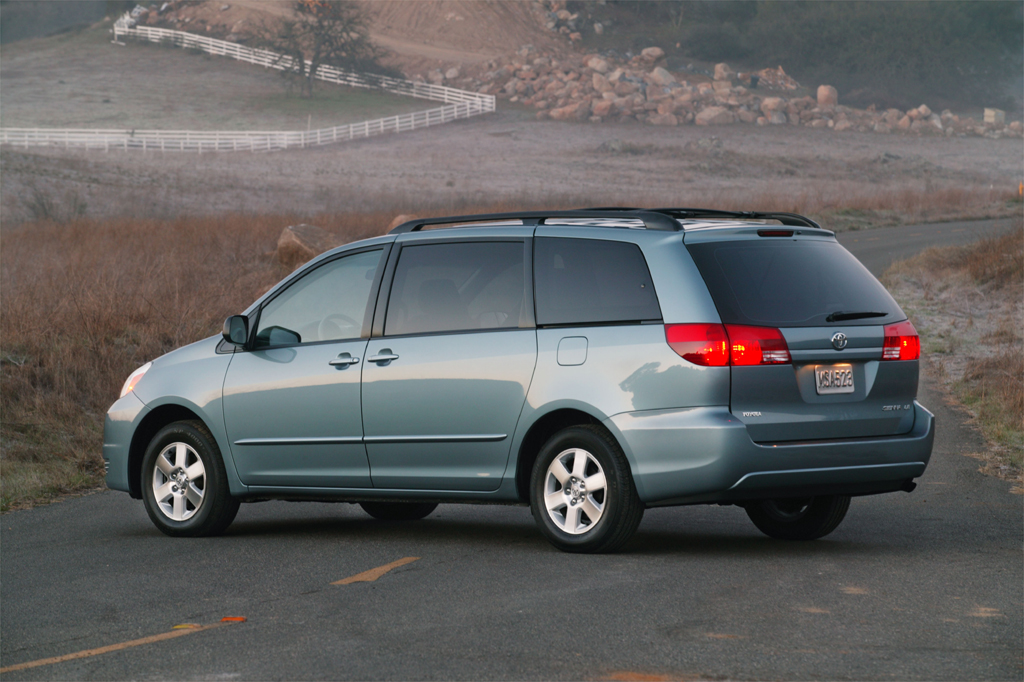 2004 10 Toyota Sienna Consumer Guide Auto