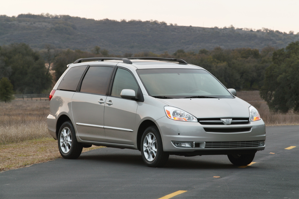 2004-10 Toyota Sienna | Consumer Guide Auto