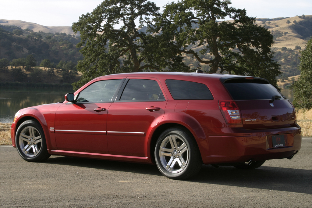 2005 08 dodge magnum consumer guide auto. Black Bedroom Furniture Sets. Home Design Ideas