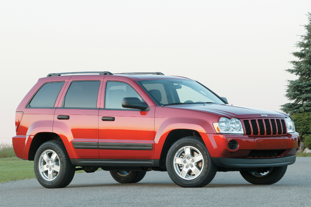 2005 10 jeep grand cherokee consumer guide auto. Black Bedroom Furniture Sets. Home Design Ideas