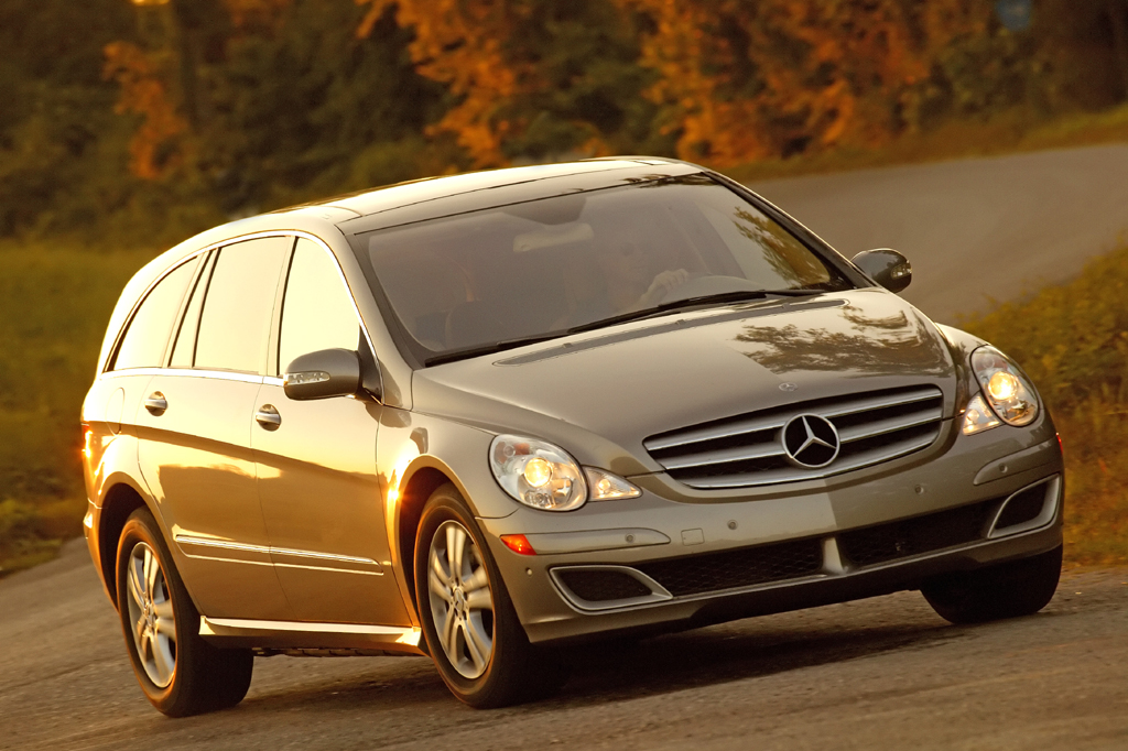 2006 12 mercedes benz r class consumer guide auto for Mercedes benz r class 2014