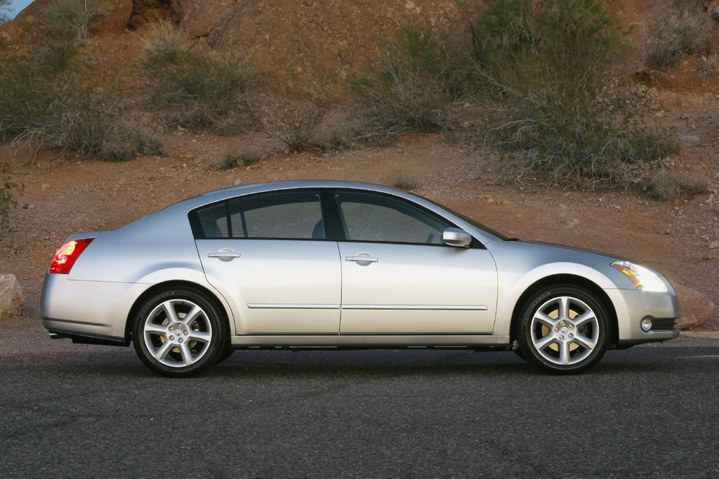 in a sl contact sedan motors r veh baltimore md nissan maxima