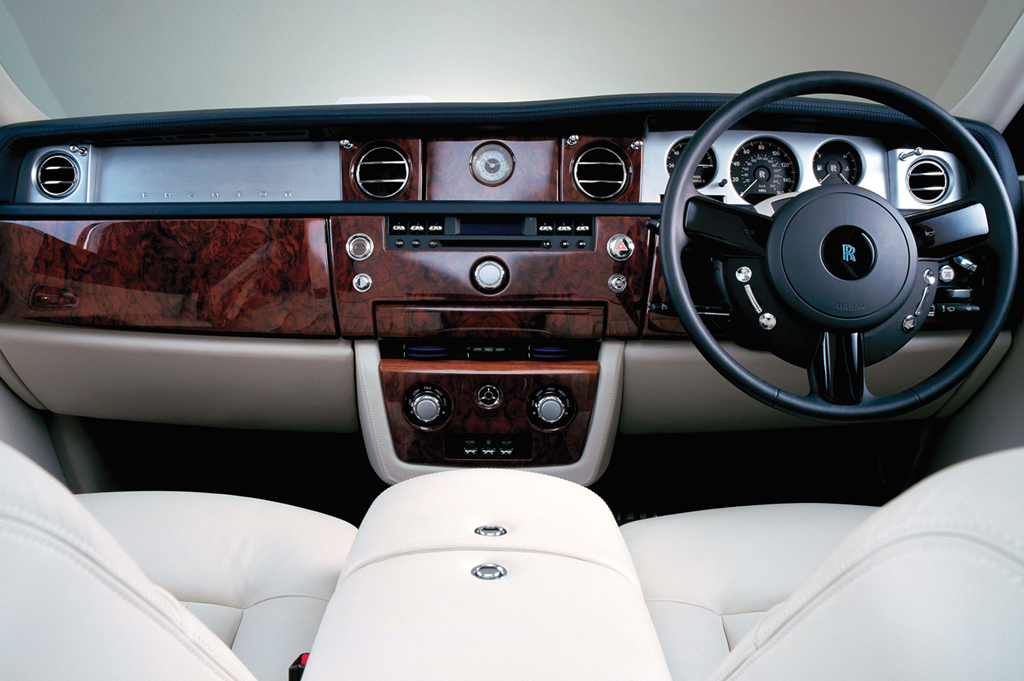 2004-12 Rolls-Royce Phantom Sedan | Consumer Guide Auto