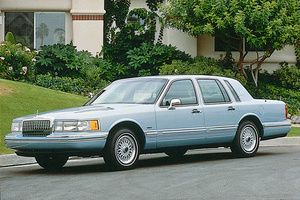 1990 97 Lincoln Town Car Consumer Guide Auto