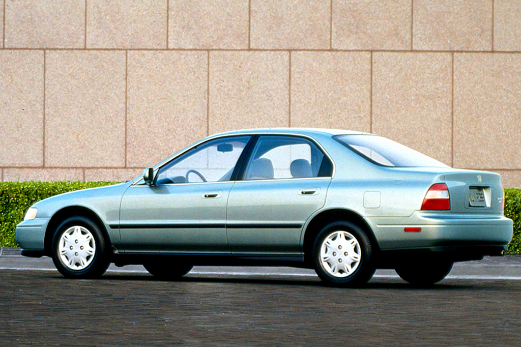 1994 97 honda accord consumer guide auto rh consumerguide com 1994 honda accord lx owners manual 1994 honda accord lx owners manual
