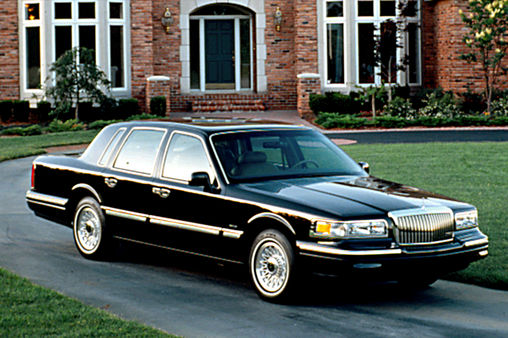 1990 97 lincoln town car consumer guide auto. Black Bedroom Furniture Sets. Home Design Ideas