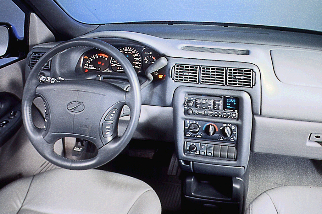 97128291990511 1997 04 oldsmobile silhouette consumer guide auto 2002 Chevy Venture Radio Wiring Diagram at gsmx.co