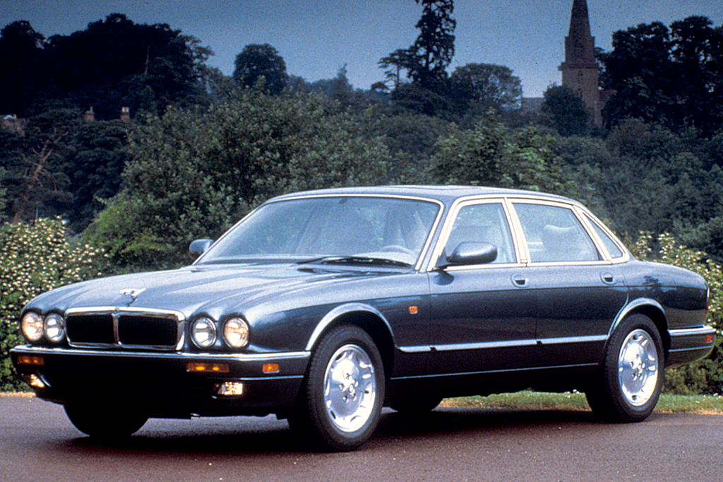 1995 03 jaguar xj sedan xj series consumer guide auto. Black Bedroom Furniture Sets. Home Design Ideas