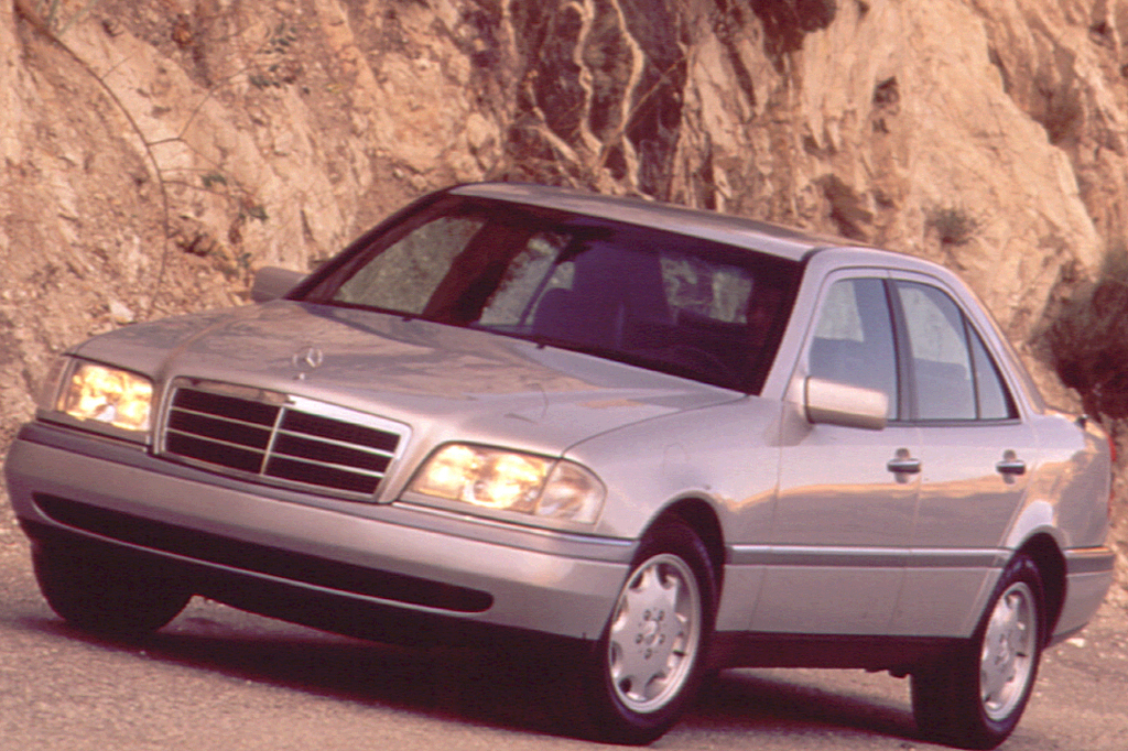 1994 00 mercedes benz c class consumer guide auto for Mercedes benz c230 engine