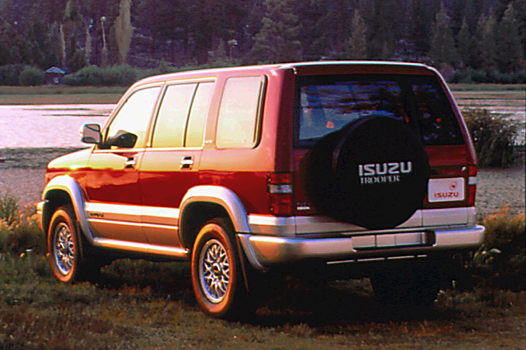 97805031990103 1992 02 isuzu trooper consumer guide auto  at readyjetset.co