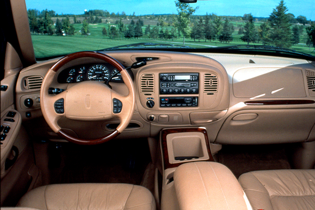 1998 02 lincoln navigator consumer guide auto. Black Bedroom Furniture Sets. Home Design Ideas