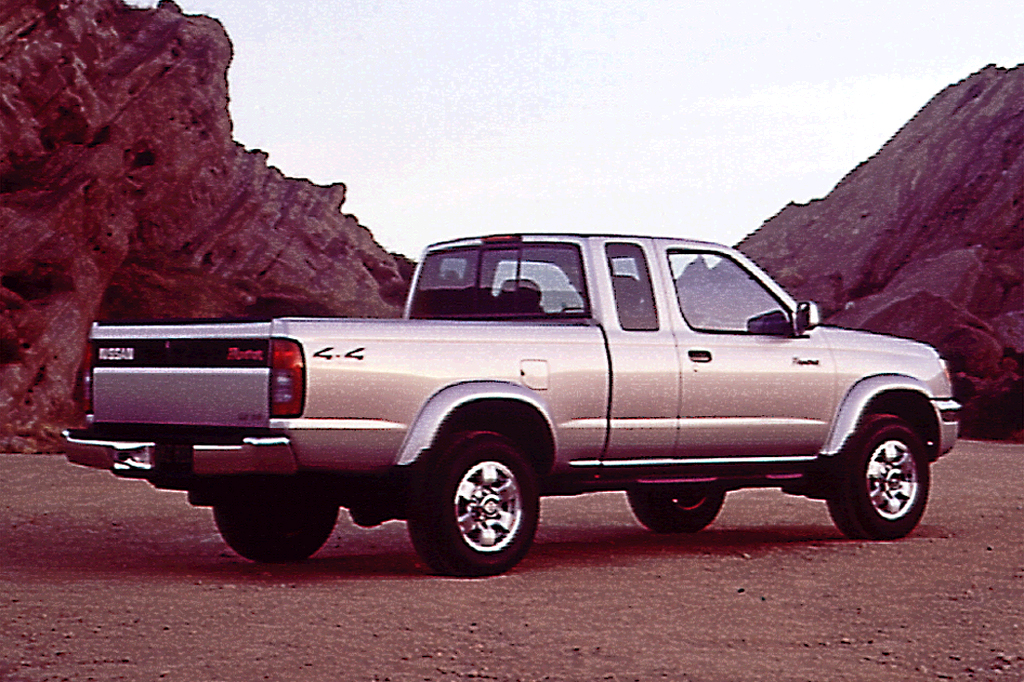 2014 Nissan Frontier Desert Runner For Sale >> 1998-04 Nissan Frontier | Consumer Guide Auto