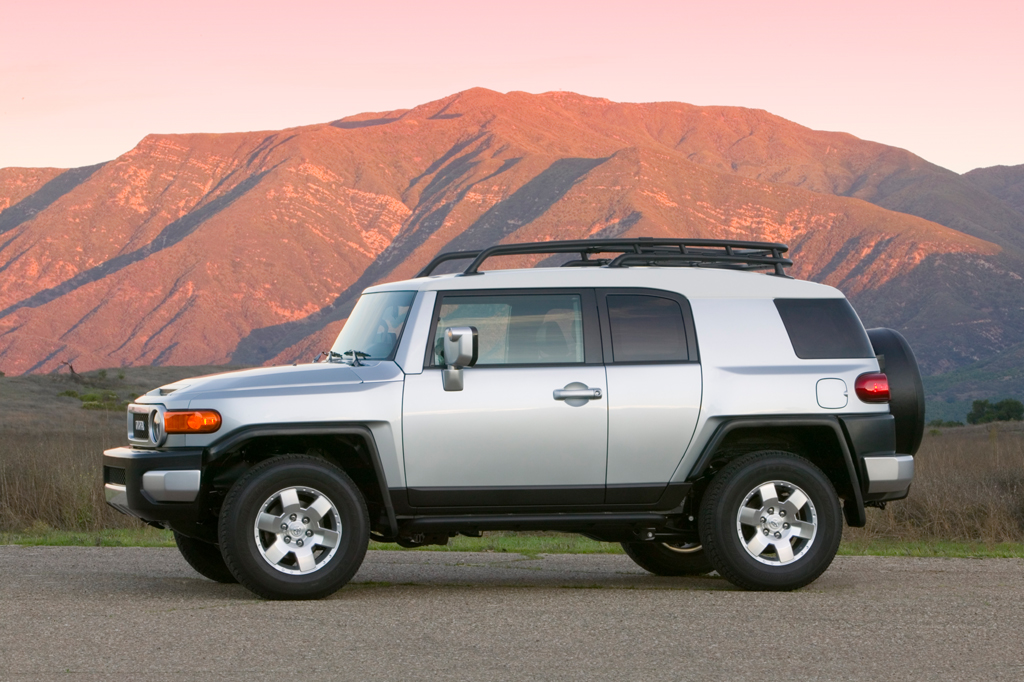 2007 14 toyota fj cruiser consumer guide auto. Black Bedroom Furniture Sets. Home Design Ideas