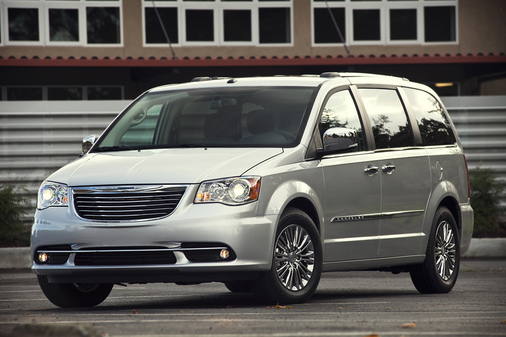 2008 14 Chrysler Town Amp Country Consumer Guide Auto