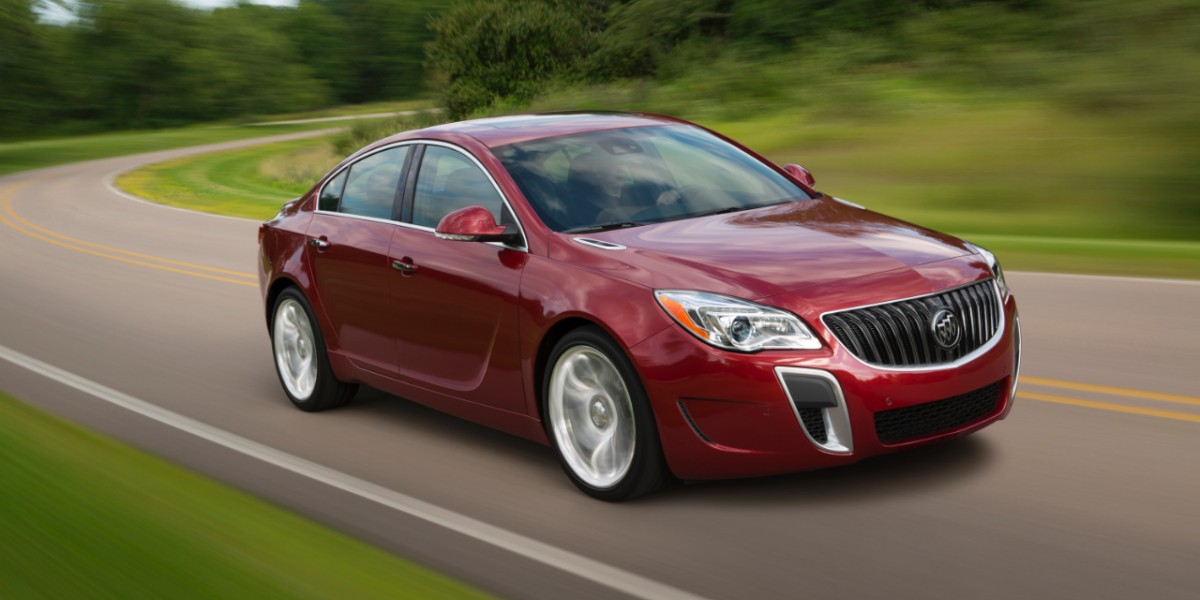 2014-Buick-RegalGS-031