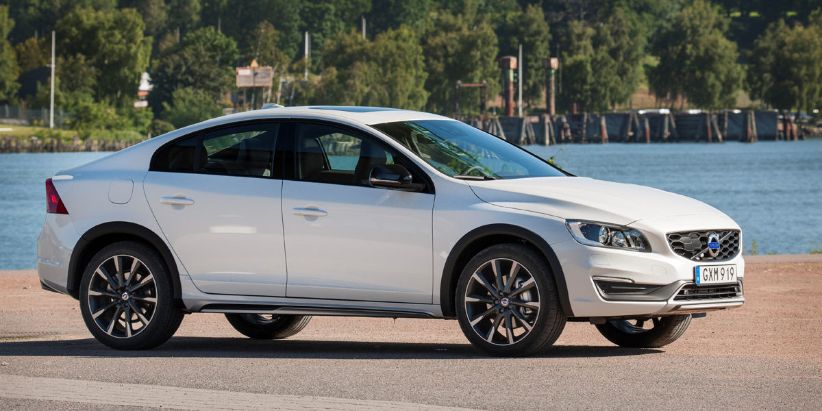 Volvo S60 Cross Country – model year 2016