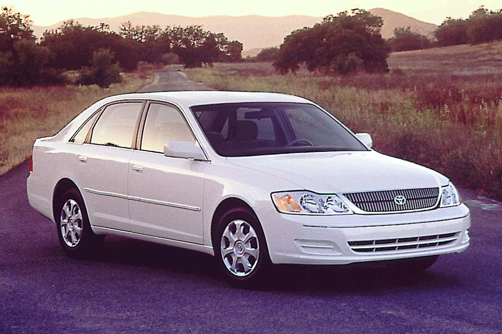 Best Midsize Suv >> 2000-04 Toyota Avalon | Consumer Guide Auto