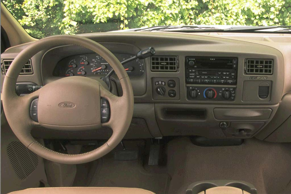 2001 ford excursion interior