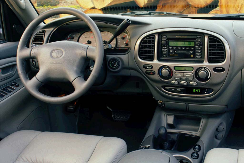 2001 Toyota Sequoia interior