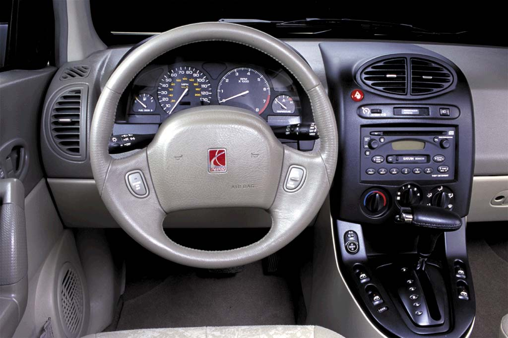 2002 Saturn Vue Interior