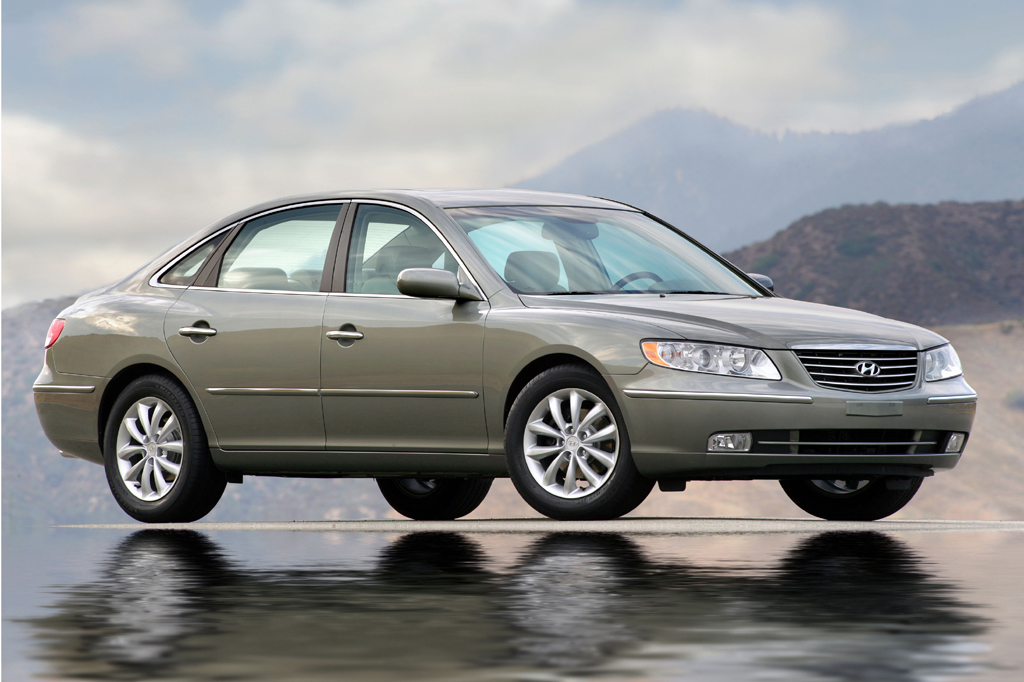 Toyota Build And Price >> 2006-11 Hyundai Azera | Consumer Guide Auto