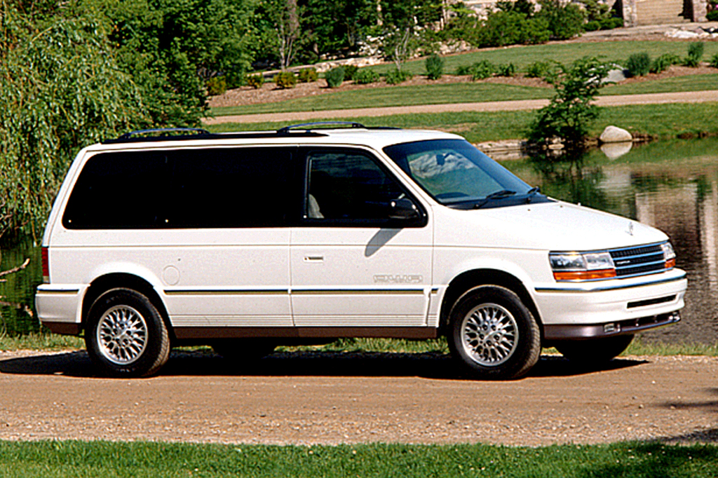 1990 plymouth voyager specs