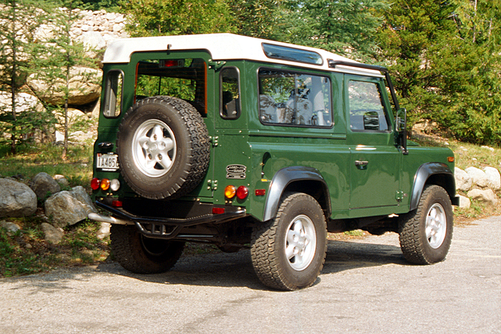Used Land Rovers >> 1993-97 Land Rover Defender 110/Defender | Consumer Guide Auto