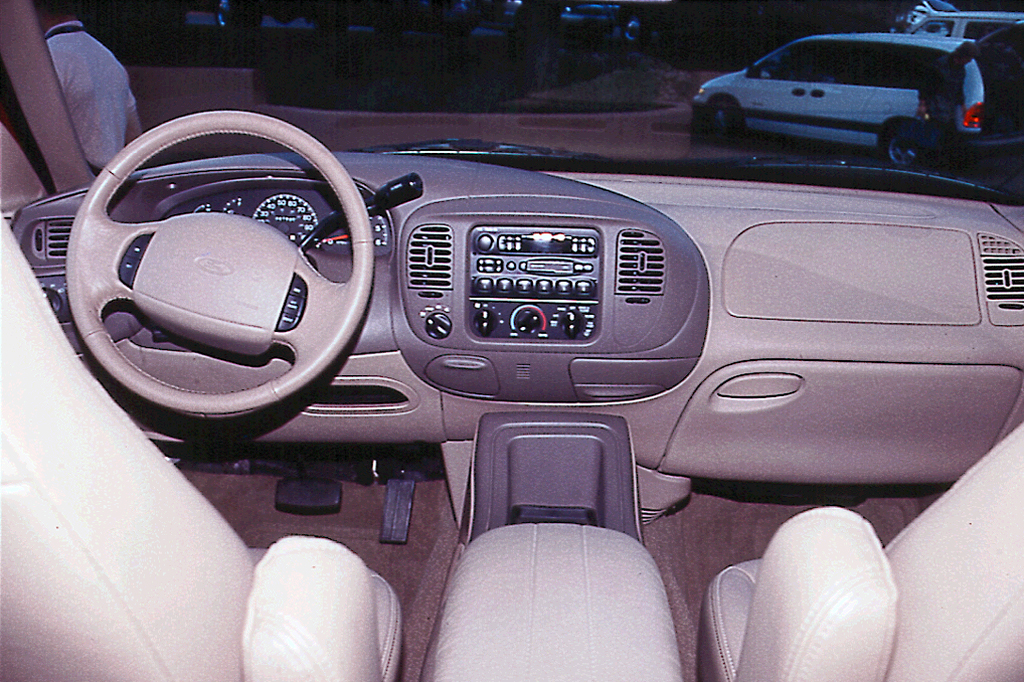 1997 ford expedition interior
