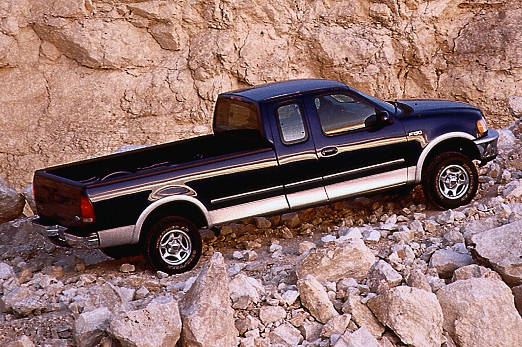 2001 ford f150 supercrew bed size