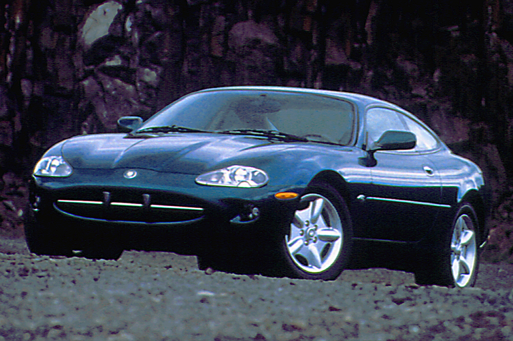 1997-06 Jaguar XK8/XK Series | Consumer Guide Auto on 2005 jeep cherokee wiring diagram, 2005 chevy cavalier wiring diagram, 2001 jaguar xj8 wiring diagram,