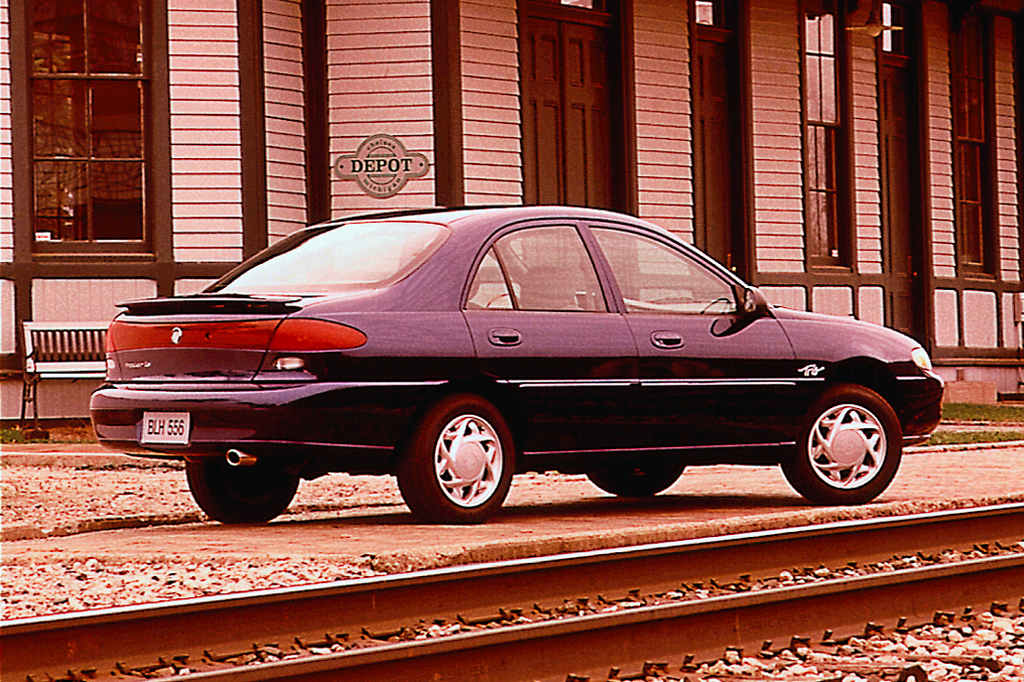 1998 mercury tracer trio 4-door sedan