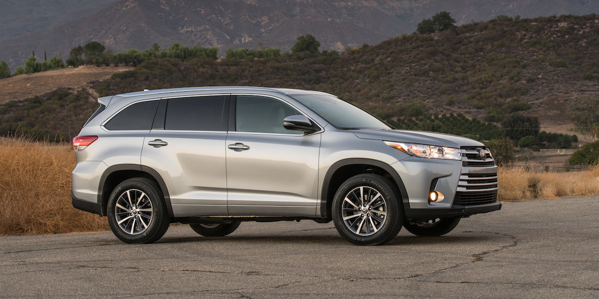 2017 Toyota Highlander Best Buy Review | Consumer Guide Auto