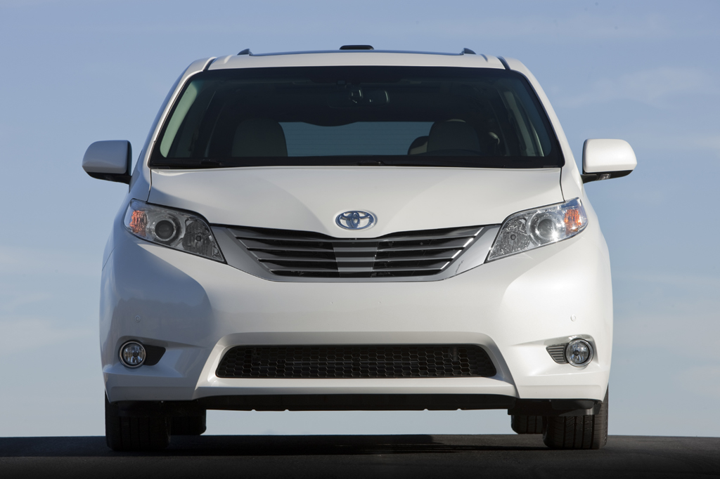 201115 Toyota Sienna   Consumer Guide Auto