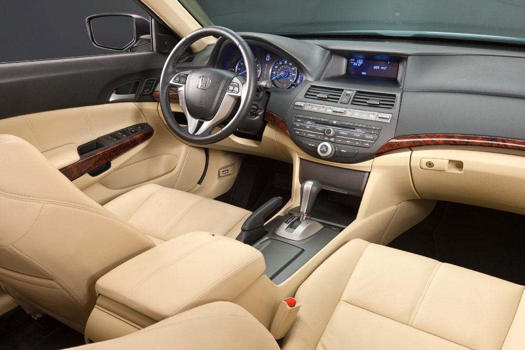 2010-15 Honda Accord Crosstour | Consumer Guide Auto