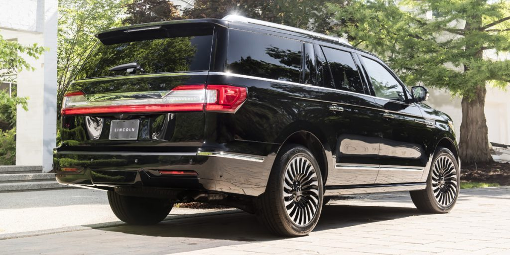2019 Lincoln Navigator Best Buy Review | Consumer Guide Auto